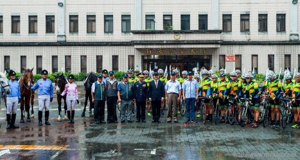 中市騎警隊及鐵馬志工隊成立 花博期間週末騎巡展示